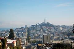 Coit Kontrollturm und Stadt-Skyline von San Francisco Lizenzfreies Stockfoto