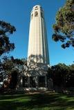 Coit står hög San Francisco, Kalifornien Arkivbilder