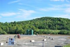 Cojín de Fracking en tierras de labrantío en el país imagen de archivo