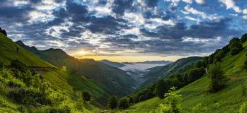 """Col d """"Ispéguy восхода солнца Montagne-баскское стоковое изображение"""