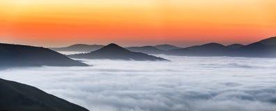 """Col d """"Ispéguy восхода солнца Montagne-баскское стоковые изображения rf"""