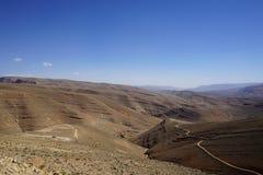 Col de Ouane, трасса R704, дорога тысячи kasbah стоковые изображения