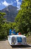 Den Ibis budgeten åker lastbil under Le Tour De France Fotografering för Bildbyråer