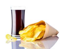 Cola e patatine fritte su fondo bianco Immagini Stock Libere da Diritti