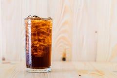 Cola fria em um vidro Fotografia de Stock Royalty Free