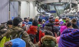Cola a las cabinas en la elevación Sochi, Rusia Imágenes de archivo libres de regalías