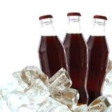 Cola mit Eis Stockfoto