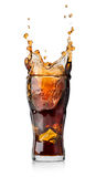Cola mit Spritzen Stockfotos