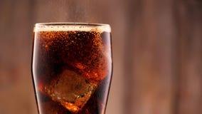 Cola in vetro archivi video