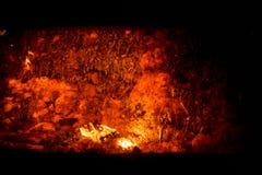 Colada de acero caliente en la planta siderúrgica Imagen de archivo