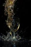 Colada del vino blanco Fotos de archivo
