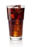 Colaexponeringsglas med iskuber Arkivbild