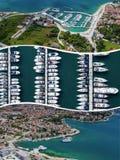 Colagem de destinos populares do turista em Zadar Cro?cia Fundo do curso Silhueta do homem de neg?cio Cowering imagem de stock royalty free