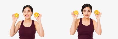 Colagem do japonês asiático de sorriso, laranjas da posse da mulher isoladas no fundo branco Conceito da beleza Fatia alaranjada fotografia de stock royalty free