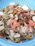 Colander con frutti di mare freschi Fotografie Stock