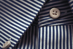 Colar da camisa de vestido & detalhe bonitos dos botões Imagens de Stock