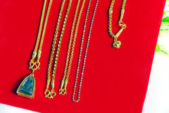 Colar 96 do ouro categoria tailandesa do ouro de 5 por cento com Buda e ouro Foto de Stock