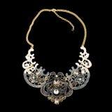 Colar dourada com diamantes Imagem de Stock Royalty Free