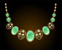 Colar dourada com gemas do chrysoprase Fotos de Stock Royalty Free