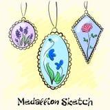 Colar, medalhões em torno de sua mulher do pescoço com uma flor Vetor Imagem de Stock Royalty Free