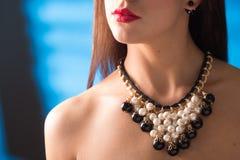 Colar no pescoço rubi e esmeralda Imagem de Stock Royalty Free
