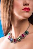 Colar no pescoço rubi e esmeralda Fotos de Stock Royalty Free