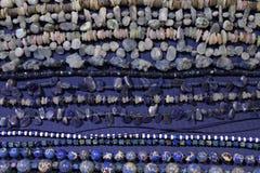Colares com pedras naturais, minerais fotografia de stock royalty free