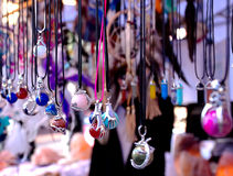 Colares indianas na exposição do mercado de rua Foto de Stock