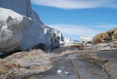 Colato annacqui il lato del ghiacciaio dell'aeronautica Fotografia Stock