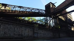 Colaväxt på den gamla Metallurgical växten lager videofilmer