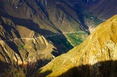 Colca kanjonsolnedgång Arkivbild