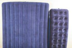 Colchão dois inflável azul para dormir e descansar fotos de stock royalty free
