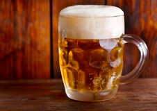 Cold mug of beer Royalty Free Stock Images