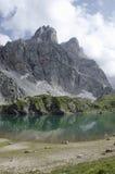 Coldai sjö, Dolomites, Italien Royaltyfri Foto