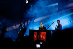 Coldplay que joga para a excursão de Vida do La de Viva Imagem de Stock Royalty Free