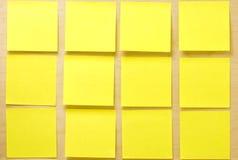 Coleção amarela vazia do post-it do post-it Fotografia de Stock Royalty Free
