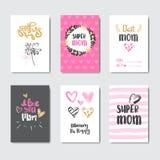 Coleção bonito dos cartões do dia de mães com a mão tirada rotulando a caligrafia Imagens de Stock