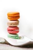 Coleção colorida dos bolinhos de amêndoa Fotos de Stock Royalty Free