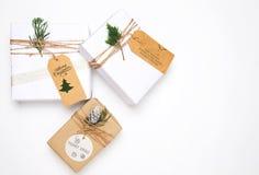 Coleção das caixas de presente do presente de Natal com a etiqueta para a zombaria acima do projeto do molde Fotografia de Stock Royalty Free
