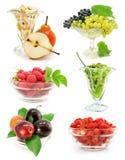 Coleção das frutas no vaso isolado no branco fotografia de stock