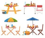 Coleção das tabelas de piquenique do verão Foto de Stock