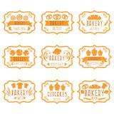 Coleção de etiquetas retros da padaria do vintage com pão, pretzel Imagens de Stock Royalty Free