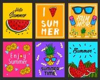 Coleção de seis projetos brilhantes do vetor da disposição do cartaz do cartão de verão Imagens de Stock Royalty Free