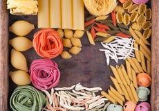 Coleção de tipos diferentes de massa italiana Fotografia de Stock Royalty Free