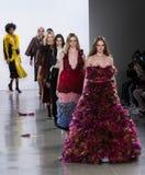 Coleção de Vivienne Hu Fall /Winter durante a semana de moda de New York fotos de stock royalty free
