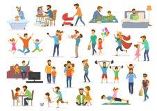 A coleção do pai e da criança, o paizinho com crianças menino e a menina têm o jogo de vídeo do futebol do super-herói do jogo da Imagem de Stock Royalty Free