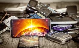 Coleção do vintage e do smartphone moderno imagem de stock