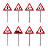 Coleção dos sinais de estrada no fundo branco Controle de tráfego rodoviário Uso da pista Parada e rendimento Sinais reguladores Imagem de Stock