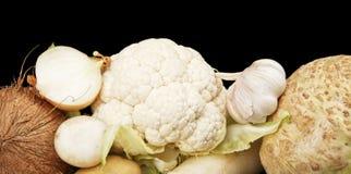 Coleção dos vegetais e dos frutos brancos no preto Imagem de Stock