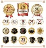 Coleção dourada das etiquetas do aniversário, 25 anos Fotos de Stock